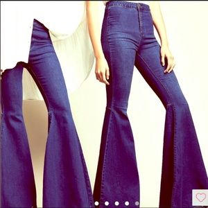 Free People - Float in Flare Jeans (size 30)